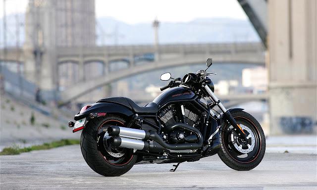 "<img src=""http://4.bp.blogspot.com/-a6vHOOfZQ0s/UeNF42G9N7I/AAAAAAAABSY/-q0BFLA-K20/s1600/harley_davidson_vrscdx_night_rod_motorcycle_5-wallpaper-1280x768.jpg"" alt=""Bikes wallpapers"" />"