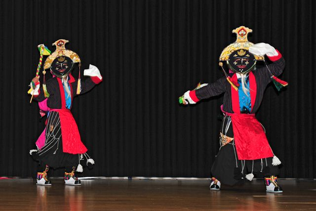 Folklore Ensemble der Tibetergemeinschaft Schweiz und Liechtenstein, Maitreya Reliquien, Bottighofen, Bodensee, Bodensee Maitreya,