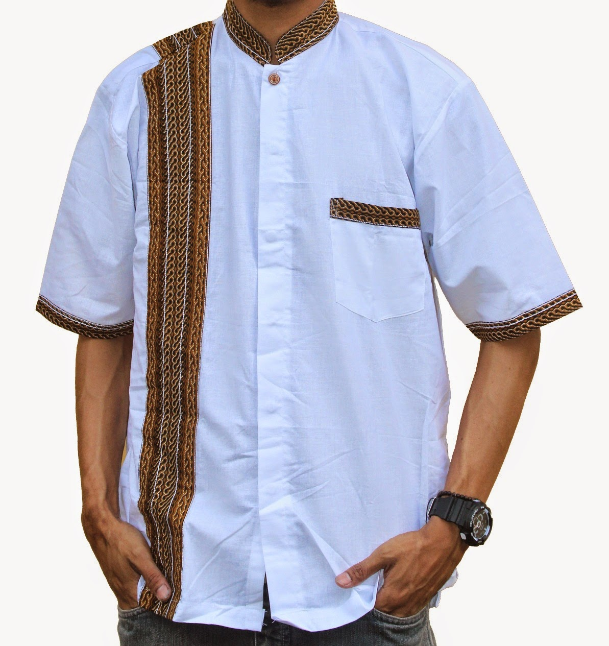 Baju koko dengan motif garis batik