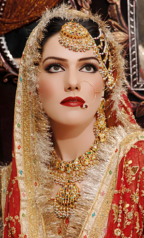 allenora makeup for wedding makeup with red lipstick  for barat