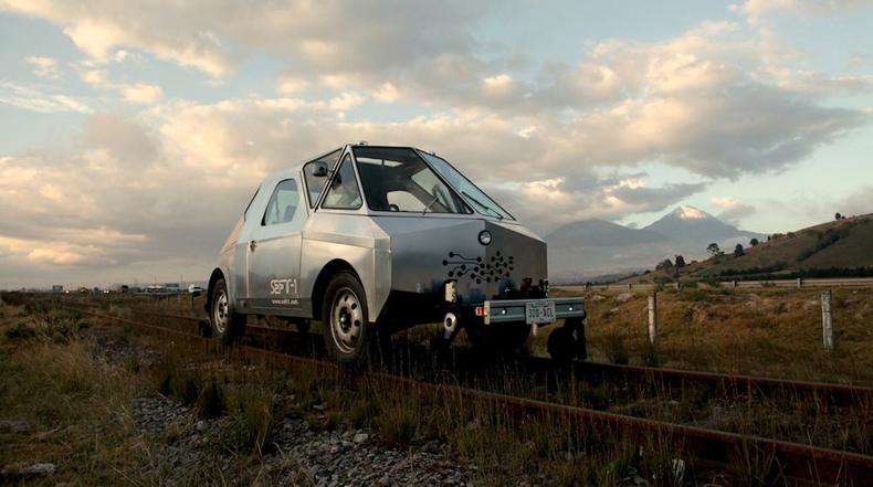Vehículo diseñado de artista explora las líneas ferroviarias abandonadas de México