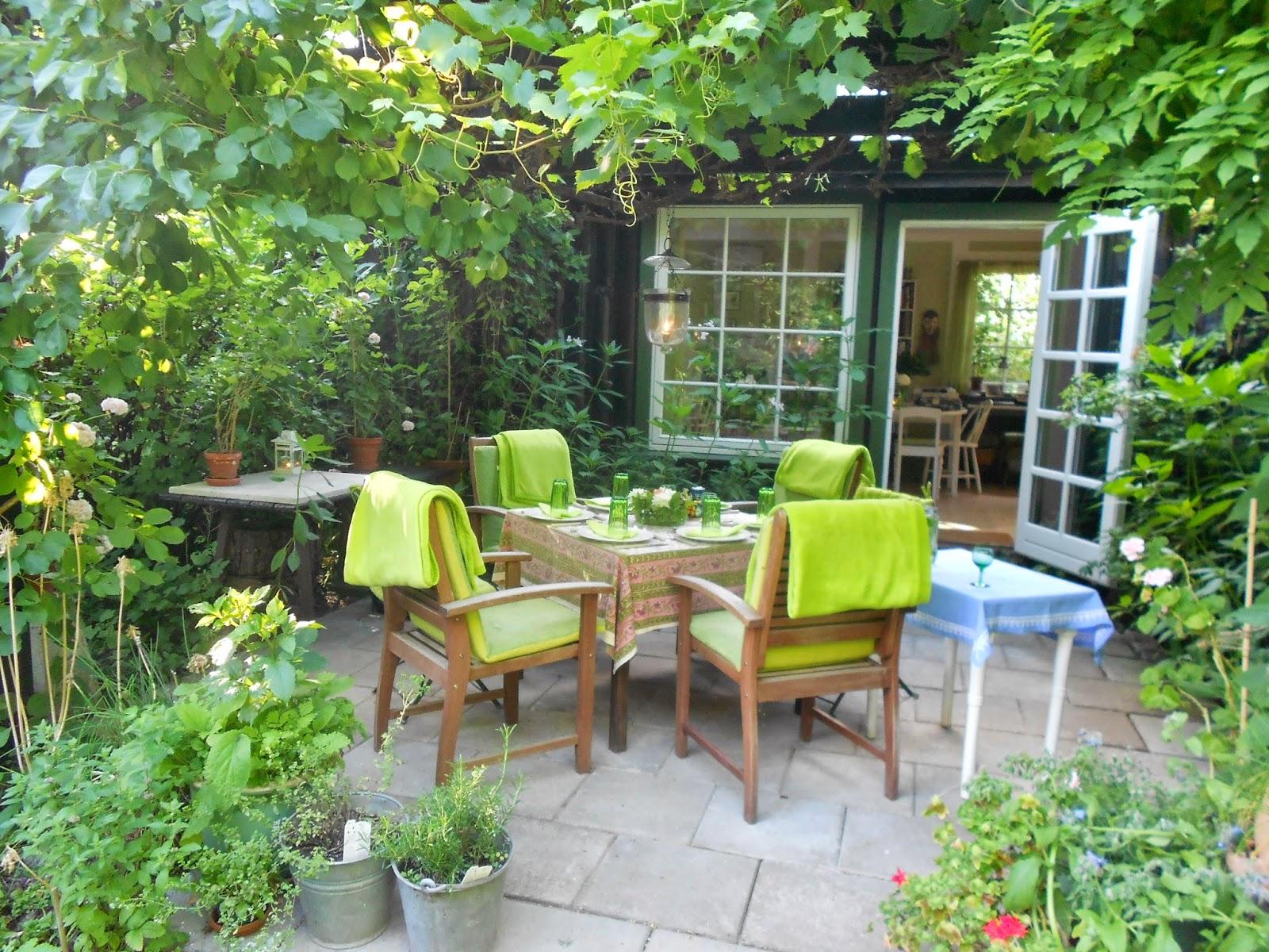 festlige fif i det gr nne g ster p terrassen. Black Bedroom Furniture Sets. Home Design Ideas