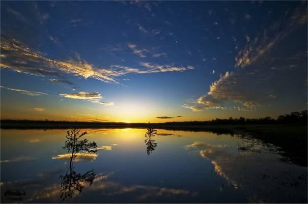 صور رائعه لجمال السماء وصفاء الماء image048-775233.jpg