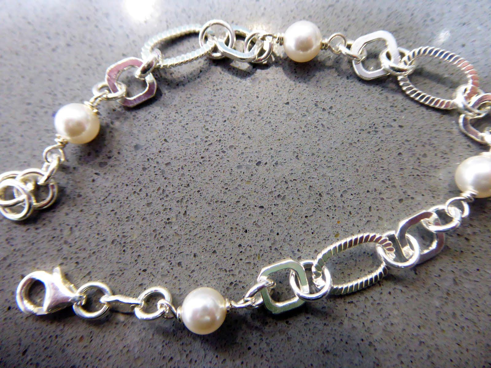 Pulsera de perlas de plata
