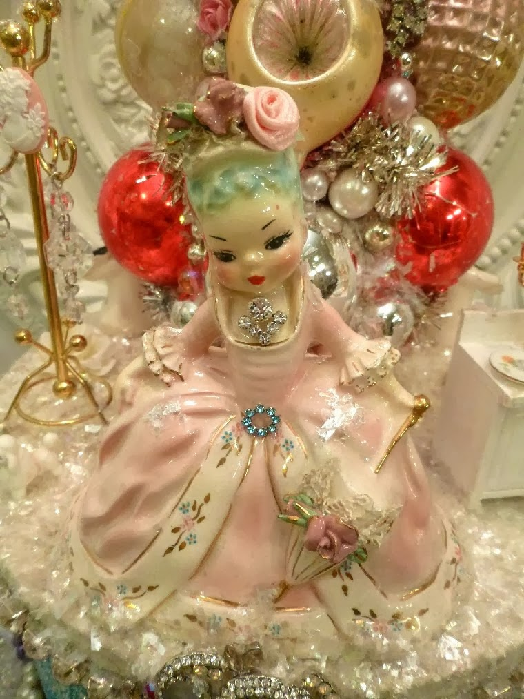 Marie Antoinette Christmas collage Box