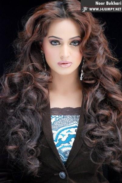 http://4.bp.blogspot.com/-a7yom7gCJU8/TVNnJTSTWFI/AAAAAAAAAfc/SZdf4lngdkM/s1600/Noor_Bukhari_00019.jpg