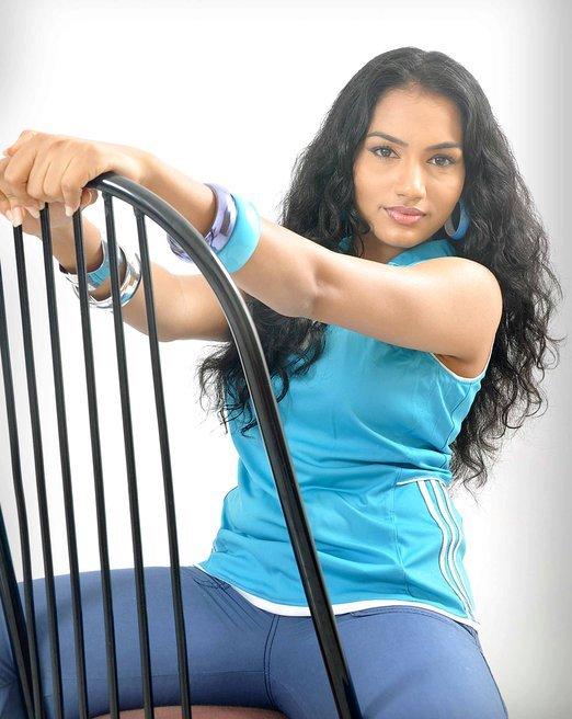 Chathurika Peiris in Sexy Tight Blue Jeans