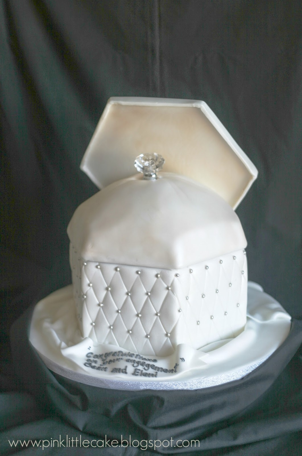 My Pink Little Cake: Engagement Ring Cake Box