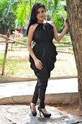 Mishti Chakraborthy latest sizzling pics-thumbnail-11