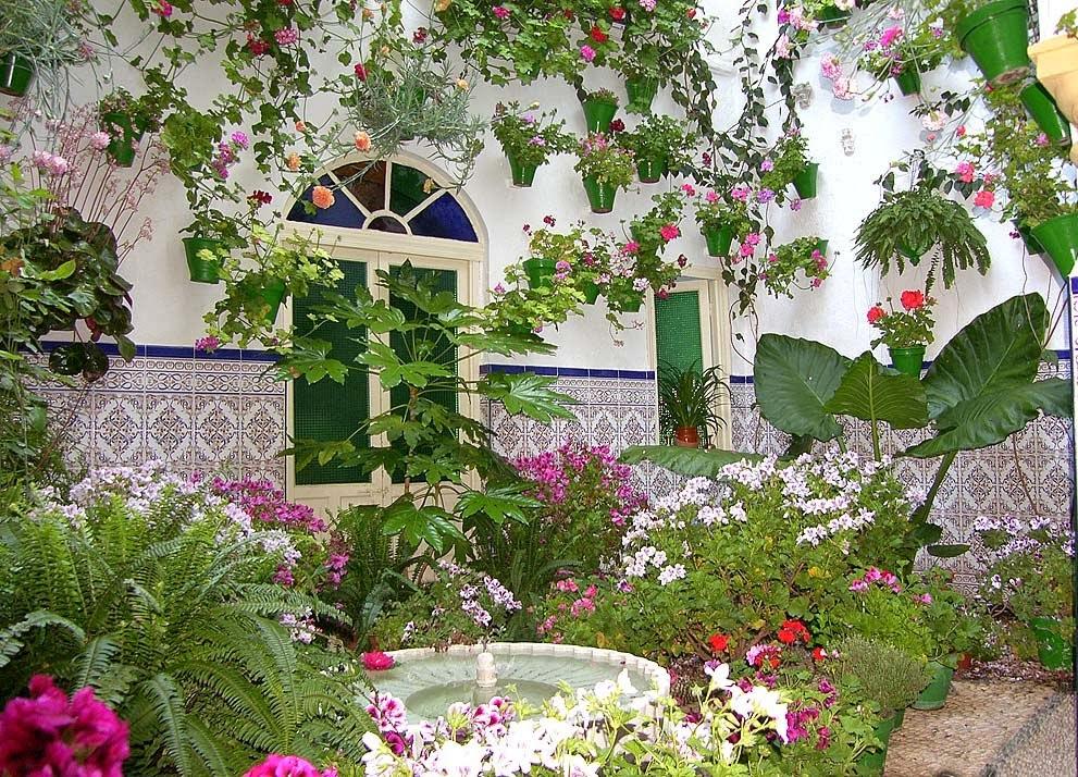 Taller de jardineria y huertos urbanos jardines y plantas for Jardines patios casas