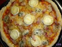 Pizza 3 quesos y bacon