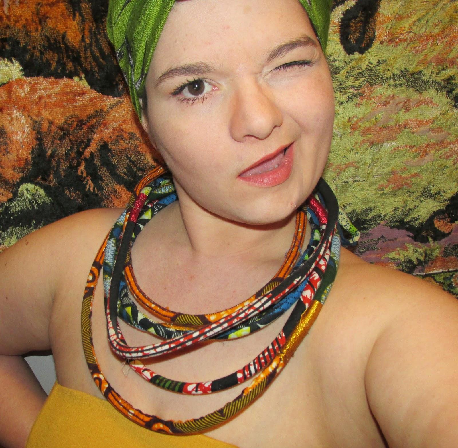 http://leslubiesdelulue.blogspot.fr/2015/04/diy-un-collier-ma-taille-3.html