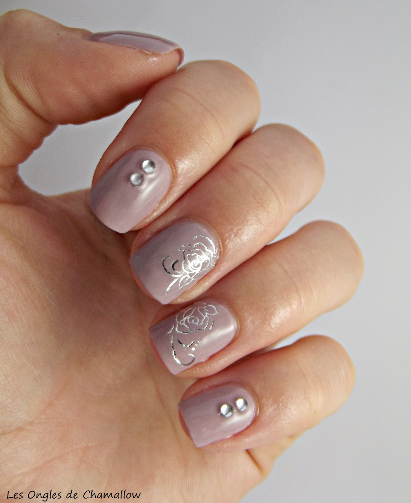ongles en gel taupe