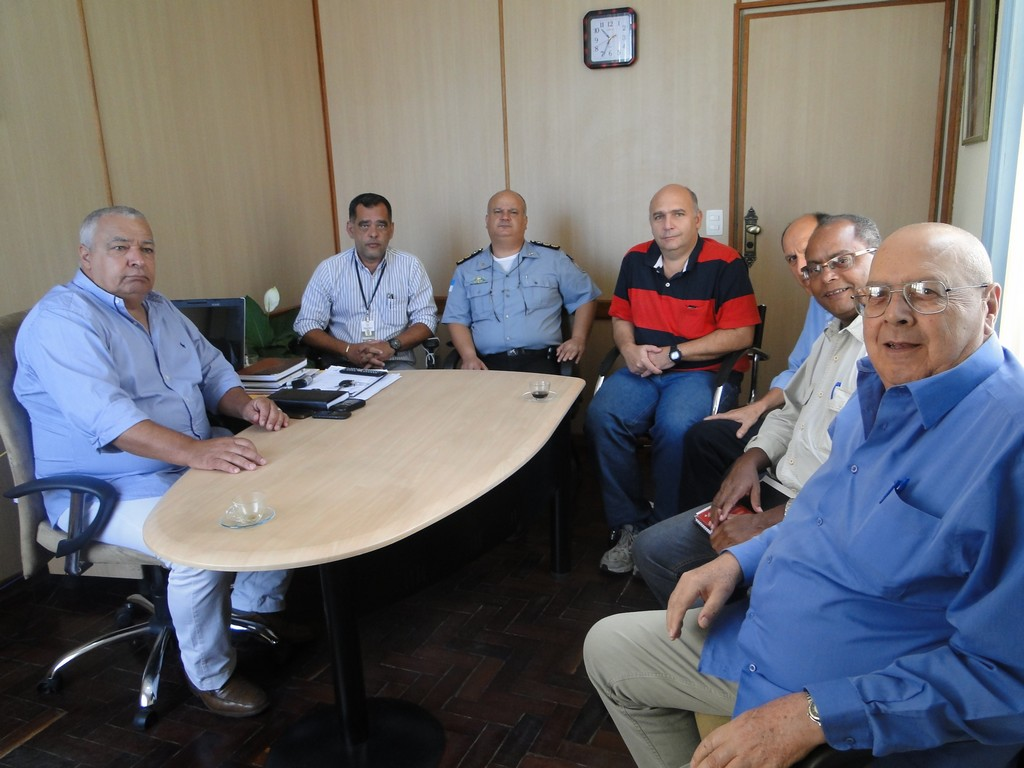 Autoridades da Secretaria Estadual de Segurança Pública se reúnem com Secretário de Governo, José Carlos Cunha, para tratar da implantação da Regional Integrada de Segurança Pública (RISP) em Teresópolis