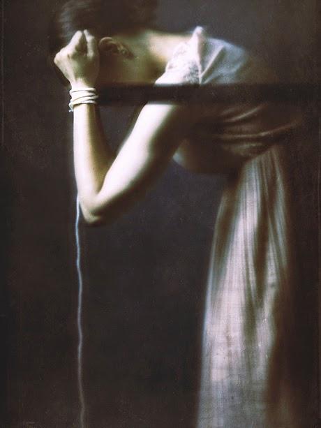 autoportrait josephine cardin photographie mélancolie