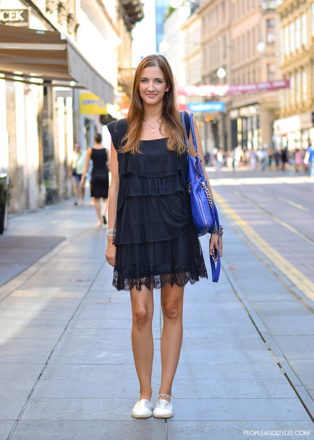 Stajling inspiracija: casual outfit s malom crnom haljinom, Mia Tošić street style fashion how to wear little black dress