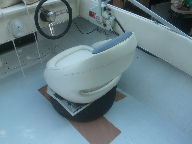 restauration bateau riamar 490 evinrude 60 vro etude hauteur des si ges recherche probl me moteur. Black Bedroom Furniture Sets. Home Design Ideas