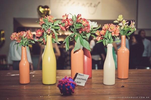 decoracao casamento garrafas de vidro: Muito Maluquinha: Faça você mesmo (DIY) Garrafas de vidro pintadas