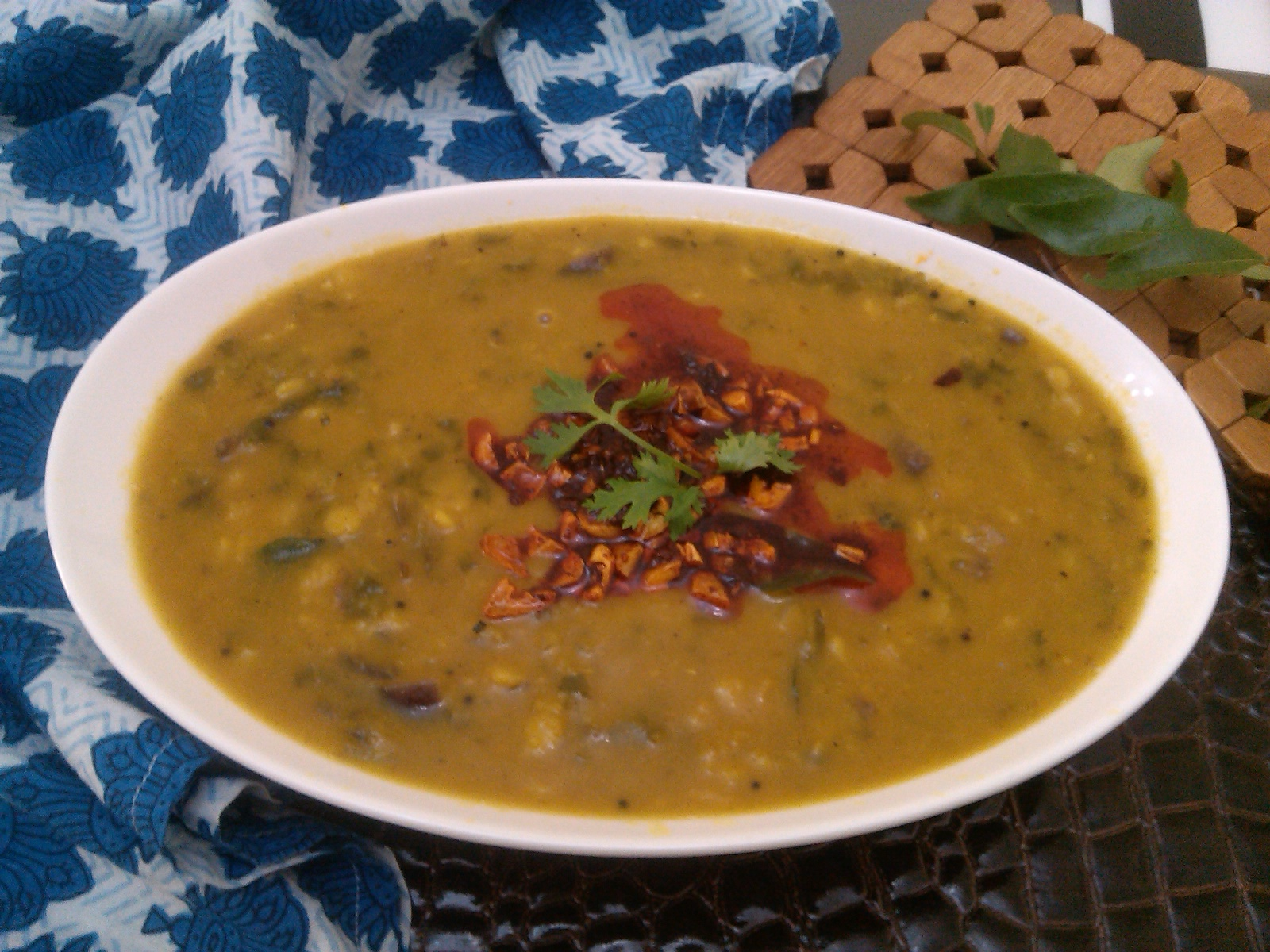 Bethica's Kitchen Flavours: Palak Dal (Spinach Lentil ...
