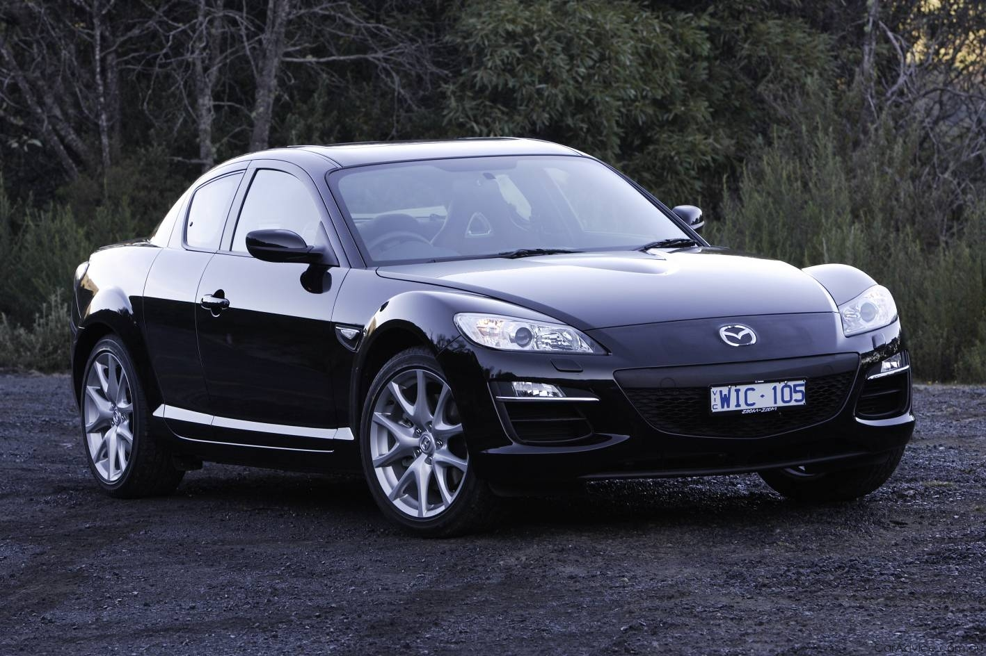 http://4.bp.blogspot.com/-aALYWuUYP-Y/UP0r5RdIyKI/AAAAAAAAA2Y/4JNFa0F8gQM/s1600/Mazda+RX8+Black.jpg