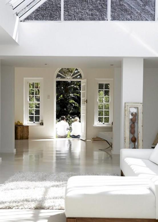 relaxing open plan white house 2 554x775 แบบบ้านสีขาวแสนน่าอยู่สไตล์โมเดิร์นจาก South Africa