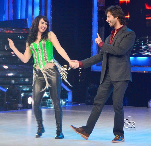 Shahid Kapoor and Lauren Gottlieb in Jhalak