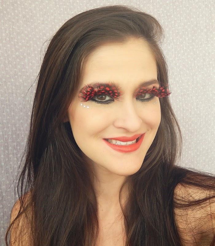 Maquiagem vermelha para o carnaval