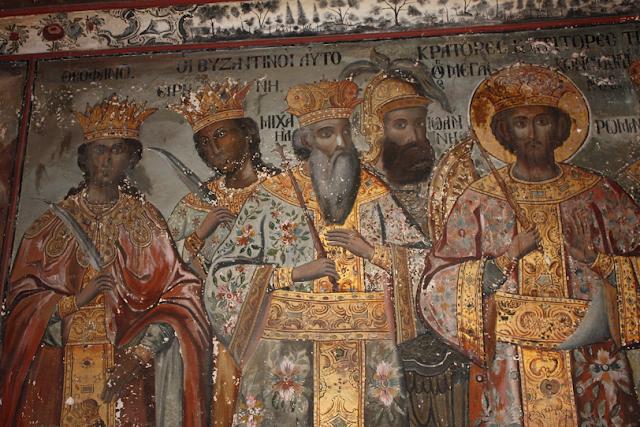Οι αυτοκράτορες της Ιεράς Μονής Ιβήρων Αγίου Όρους. Τοιχογραφία του 1774 στον υαλόφρακτο νάρθηκα του Καθολικού. http://leipsanothiki.blogspot.be/