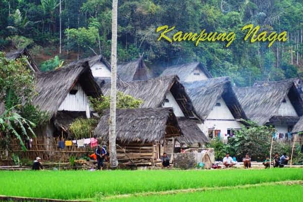 Rmah adat Kampung Naga Tasikmalaya