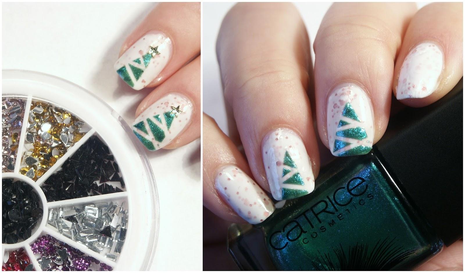 Simple Christmas Tree Nails