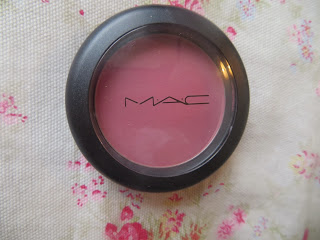 MAC, Review, Blusher, Breath of plum, berry, swatch, pretty, winter, autumn, cheeks, face, makeup, blogger,