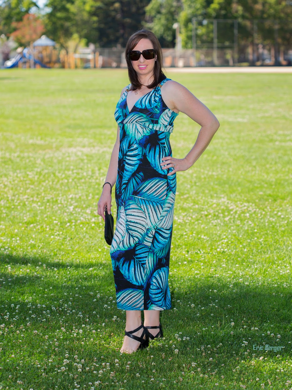 Blue Hawaiian island style maxi dress outfit