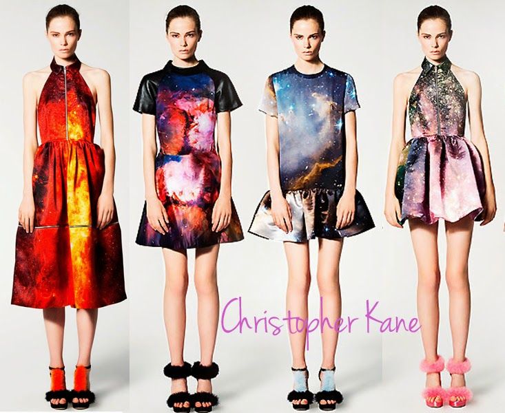 christopher kane, digital printing, Fashion design, environmentally friendly fashion, digital printing, advertising industry, cad, computer aided design, fashion, blog, fashion blogger, lesimplyclassy, samira Hoque, high fashion, affordable fashion, natural fibre materials, lycra, cotton, silk, linen, digital, sustainable fashion, biodegradable, fashion, models, le simply classy blog, designers, haute couture, printing, digital photo printing, digital printing tshirts, digital printing onto fabric, digital printing fashion designers, digital printing in the fashion industry, companies that digitally printed fabric