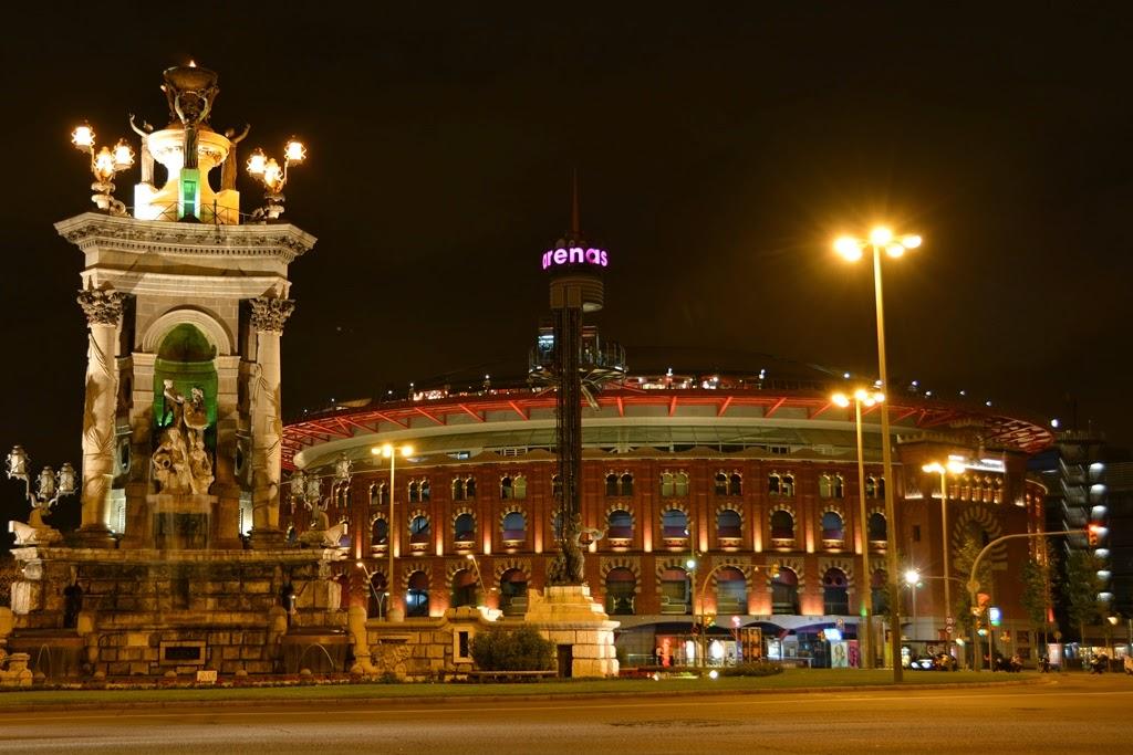 Barcelona by night Plaza Espagna