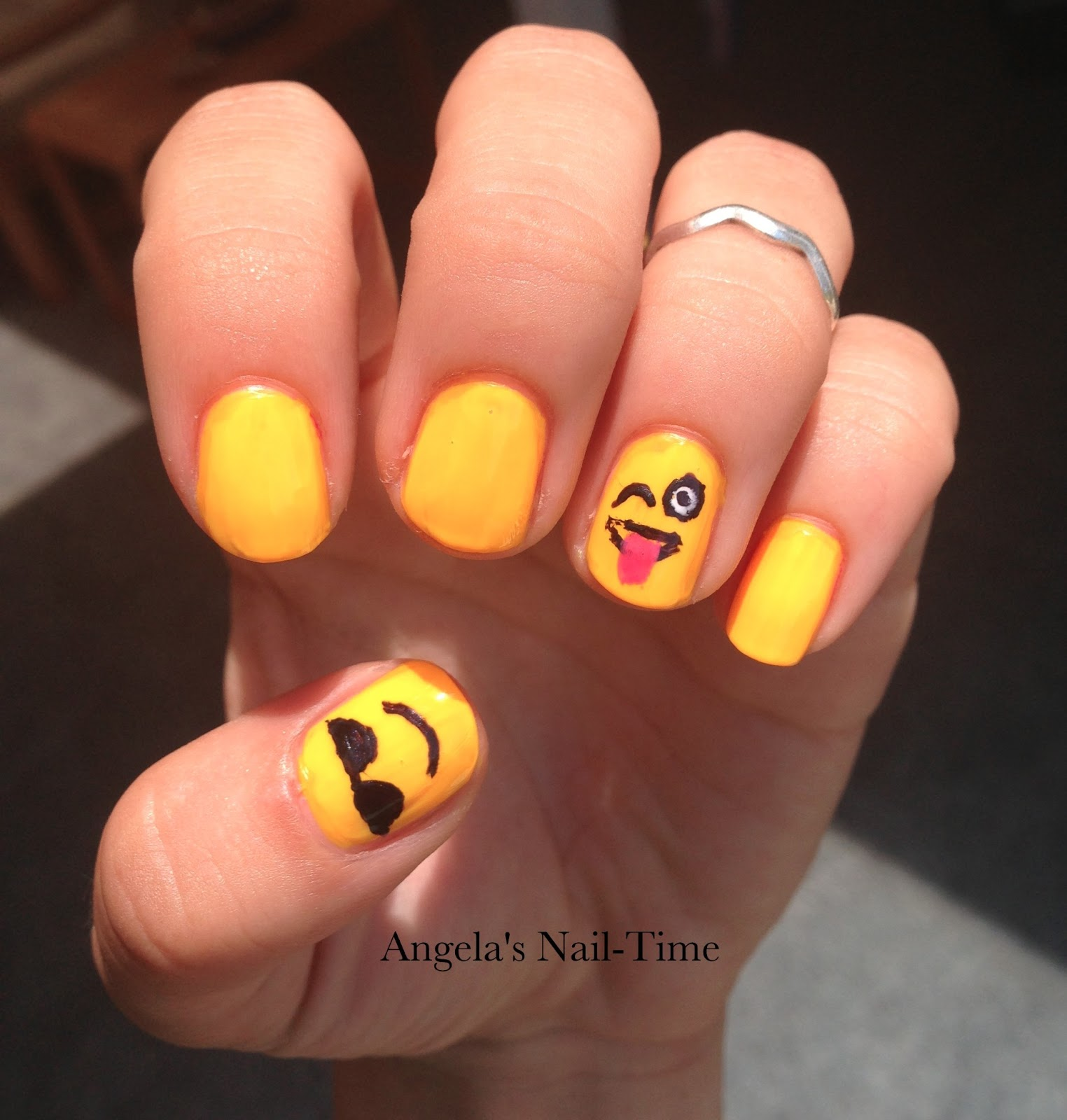 Angela\'s Nail-Time: Emoji Nail Art