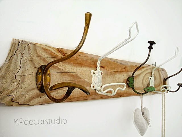Perchero de madera artesanal