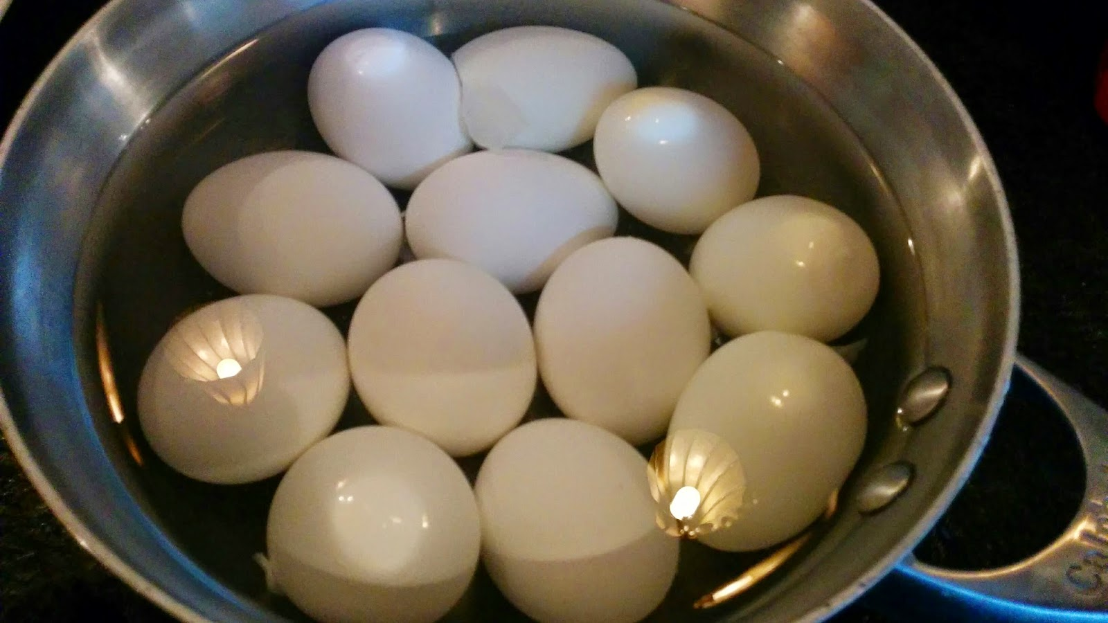 Add The Salt Over High Heat, Without The Lid, Bring The Eggs To A Boil  Once The Water Has Started To Boil, Set The Timer For 1 Minute