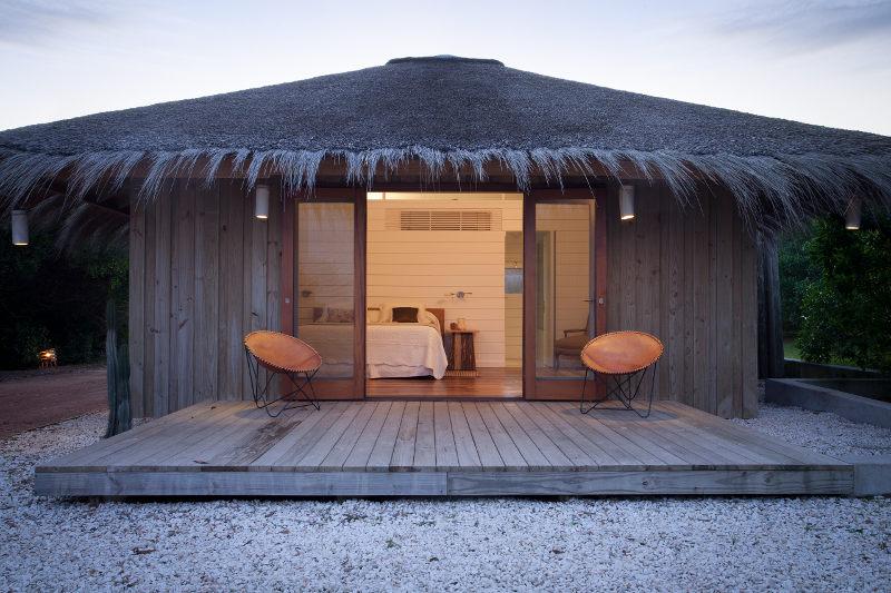 ispirazioni pavimento Patio : Per la notte, invece, una romantica ?cabanas?, il rifugio perfetto ...