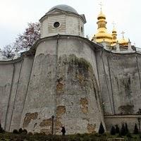 В Ближних пещерах починили Дебоскетову стену