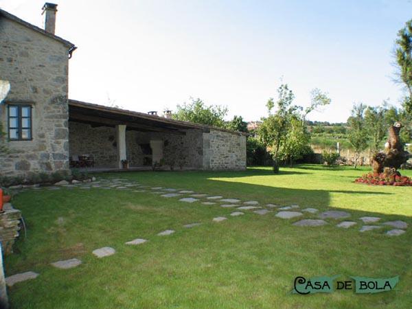Rustik chateaux casa rural casa de bola en galicia - Patios rurales ...