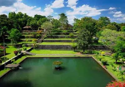 Taman Narmada Lombok Nusa Tenggara Barat