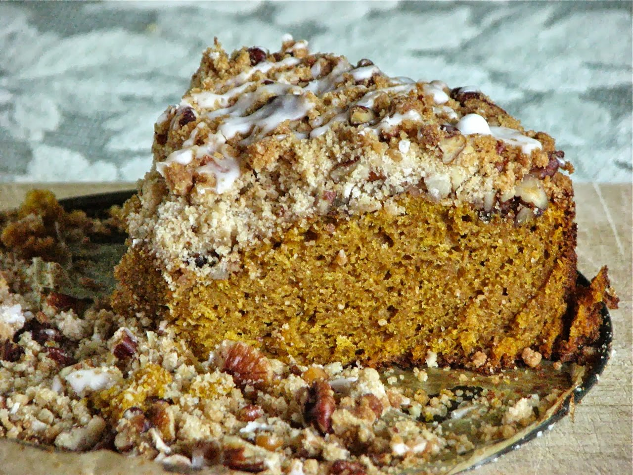Delectably Mine: Pumpkin Coffee Cake with Brown Sugar Pecan Streusel