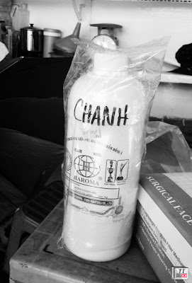 """""""Nước cốt chanh"""" đang được bày bán ở chợ Kim Biên"""