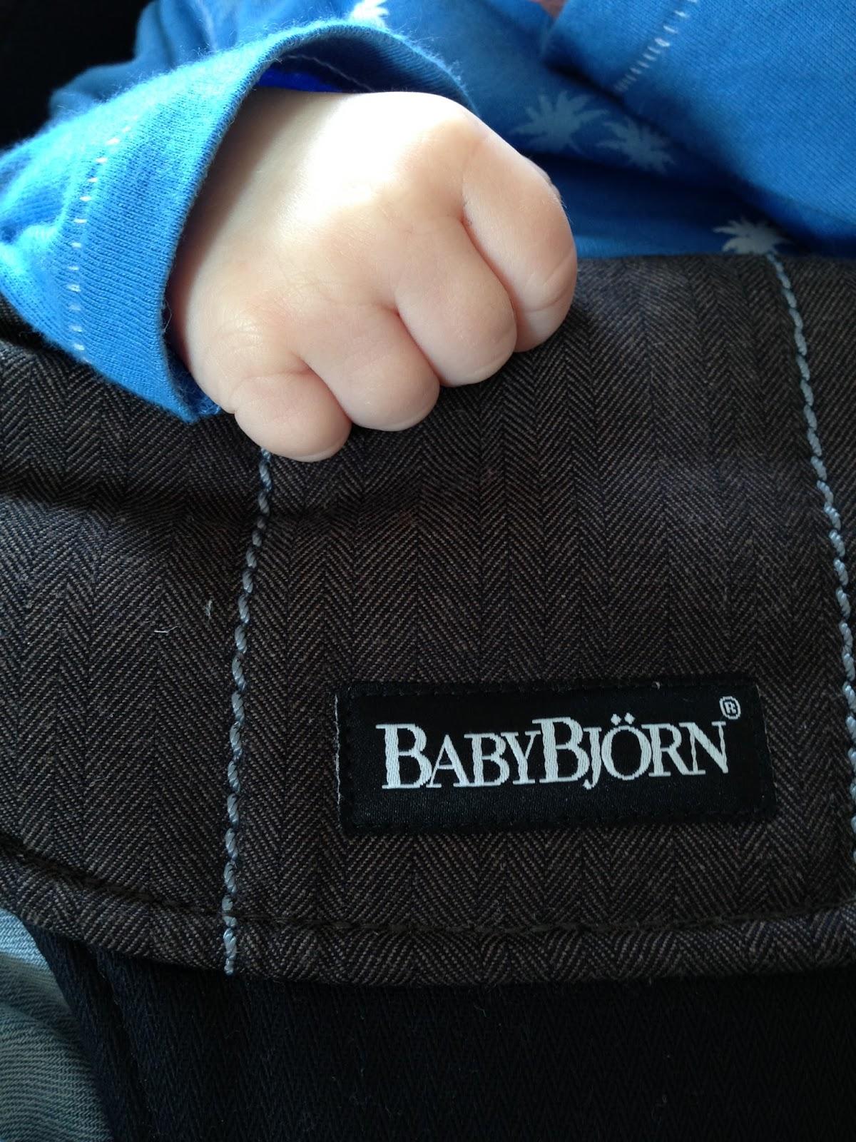 eine wippe und ein sofasessel produkttest baby bj rn das fr he vogerl. Black Bedroom Furniture Sets. Home Design Ideas