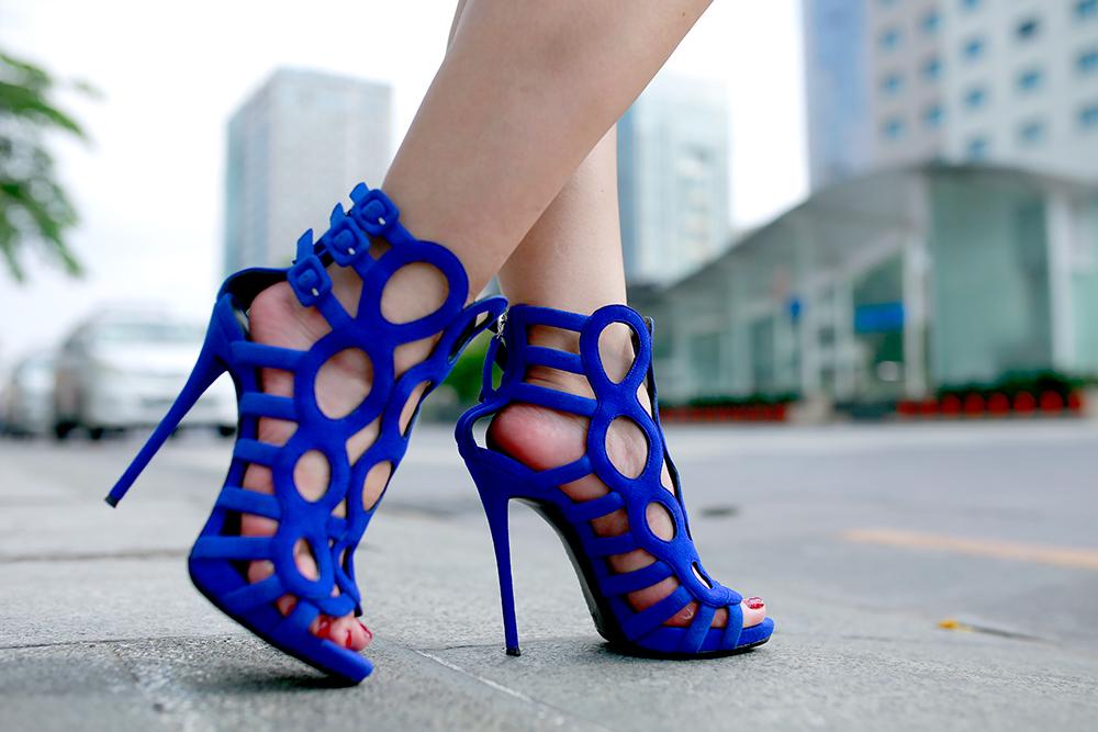 Crystal Phuong- Giuseppe Zanotti Blue Cutout Sandals
