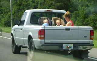 funny pics family car