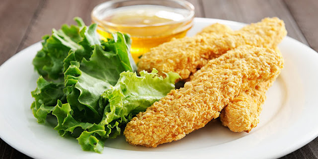 almond Parmesan chicken tenders, Brenda Ajay, 21 Day Fix, Autumn Calabrese, party food, appetizers, gluten free, chicken, healthy party food, gluten free party food, quick and easy, family favorite recipes, chicken finders, breaded chicken, clean eating, eat clean, Italian food, Italian breaded chicken, Gluten free Italian food