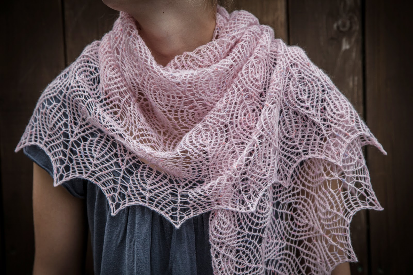 Knitting Patterns For Lace Shawls : Renee Knits Too: Shetland Lace Triangle Shawl