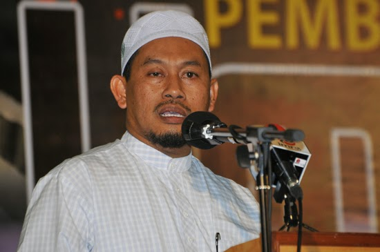 Sallehen Mukhyi pas