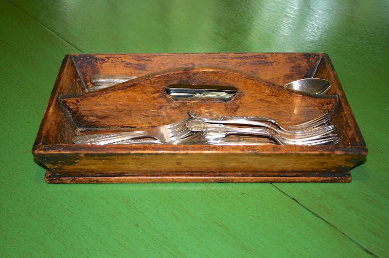 Re-Purposing Vintage Tool Caddies title=
